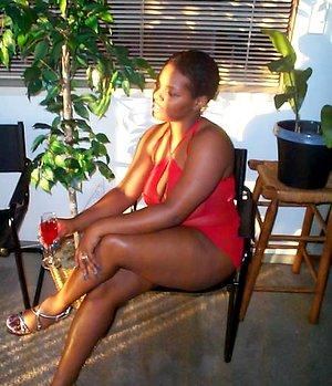 African housewifeZakuka amateur pics