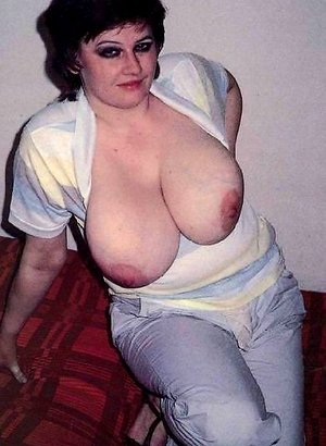 Matures showing their huge and small tits. Retro compilation