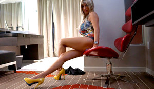 Busty Blonde Room Service Attendant Gives Handjob