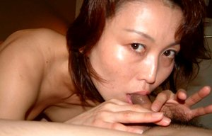 Sexy Japanese amateur wife gives a blowjob
